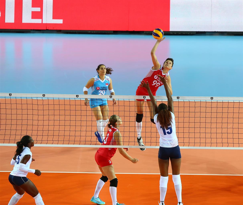 L'Equipe de France Féminine termine l'EuroVolley 2019 par une défaite contre la Turquie à Ankara