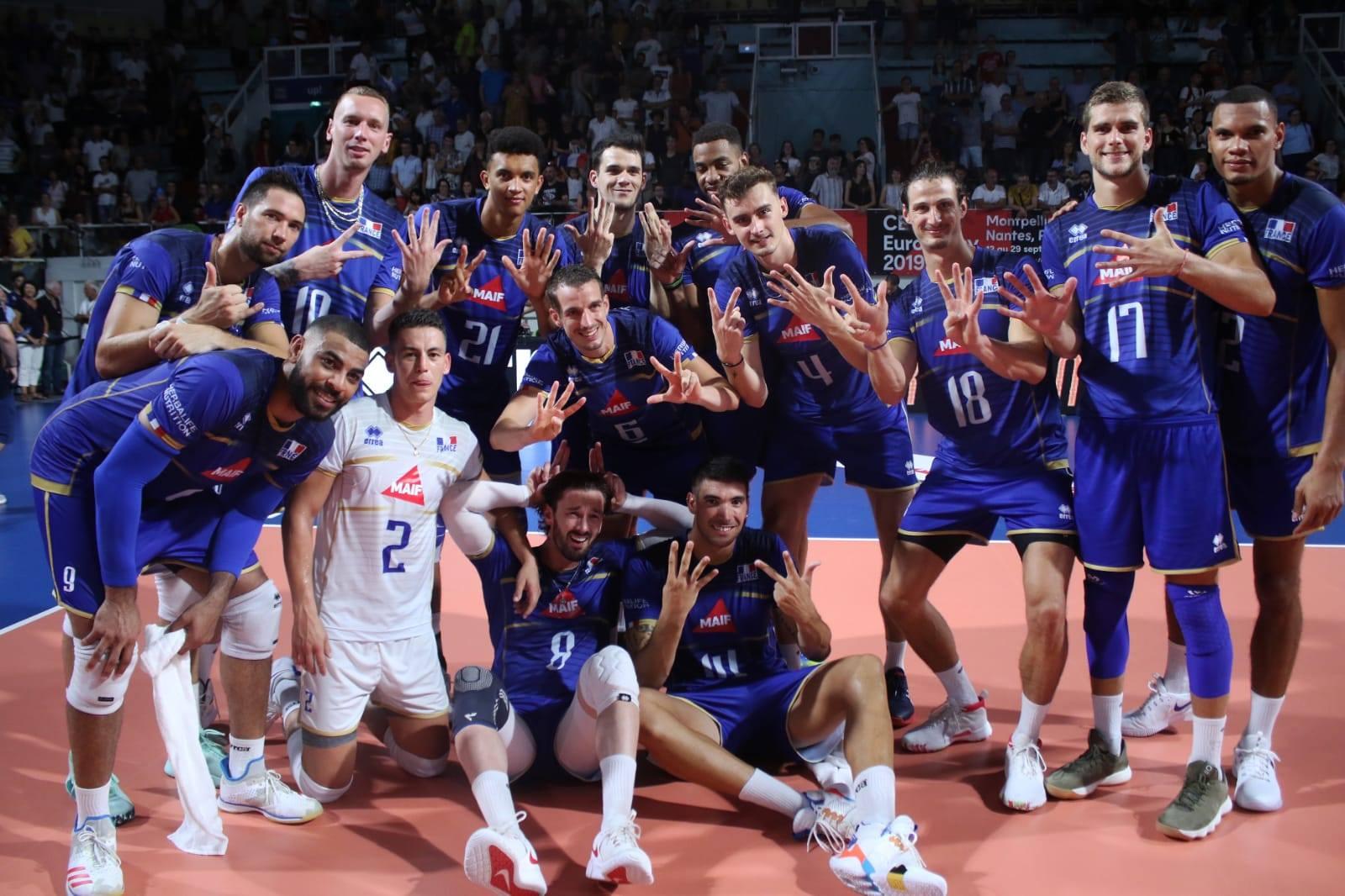 Les deux Equipes de France gagnent