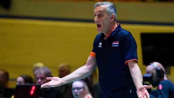 La Fédération de Volley-Ball des Pays-Bas se sépare de Giovanni Caprara, le Sélectionneur de l'Equipe Féminine.