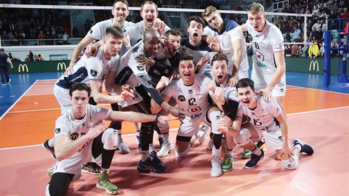 Le Président de Tours Volley-Ball demande la suspension du Championnat et de la Coupe de France après la limitation de 1000 personnes lors des rassemblements de masse