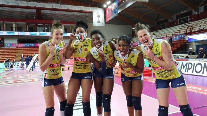La pointue française Lucille Gicquel avec Imoco Volley est Championne d'Italie